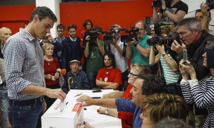 Pedro Sánchez vota: «Hoy es el día de los afiliados y mañana, el de la unidad del PSOE»