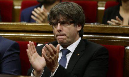 Puigdemont provoca a Rajoy la víspera de la manifestación