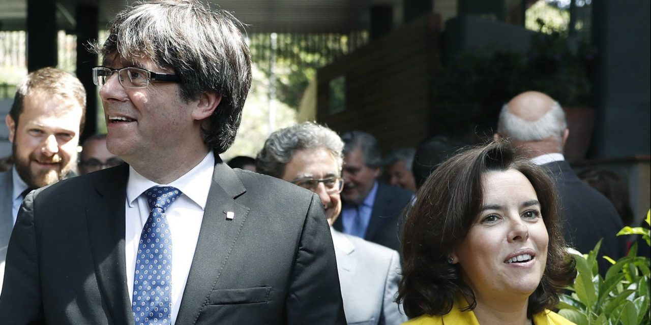 """""""Lo de Cataluña"""" atrapa a la economía"""