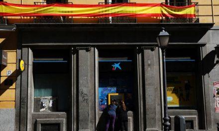 Los bancos catalanes salvan el 'match-ball' con el cambio de sede y las cuentas espejo