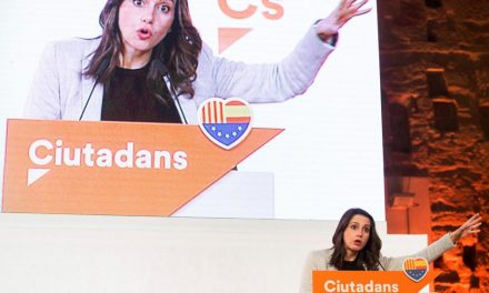 """Arrimadas da un golpe de efecto en """"territorio Puigdemont"""""""