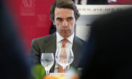 """Malestar en amplios sectores del PP contra Aznar por """"desleal"""""""