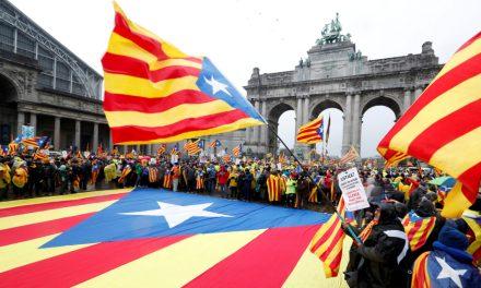 CUARENTA Y CINCO MIL CATALANES FRENTE A ESPAÑA Y EL RESTO DE EUROPA