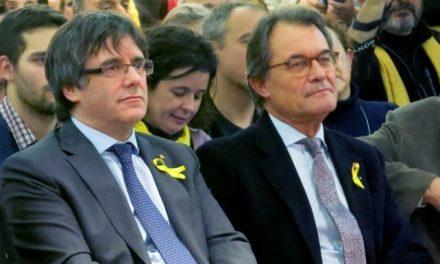 Un juez desata el pánico en el PDeCAT y arruina la fiesta a Mas y Puigdemont