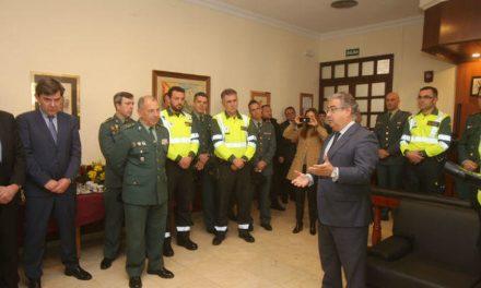 """Interior ofrece a policías y guardias civiles una equiparación """"total"""" de 1.500 millones en tres años"""