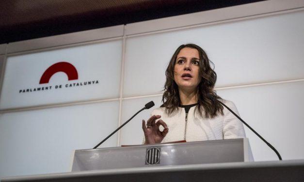 Arrimadas responde al Gobierno y al PP que darles un diputado costaría 800.000 euros públicos