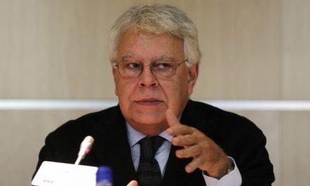 Felipe González reconoce que habla con Albert Rivera, pero no con Pedro Sánchez ni Mariano Rajoy