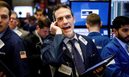 Wall Street vuelve a teñirse de rojo