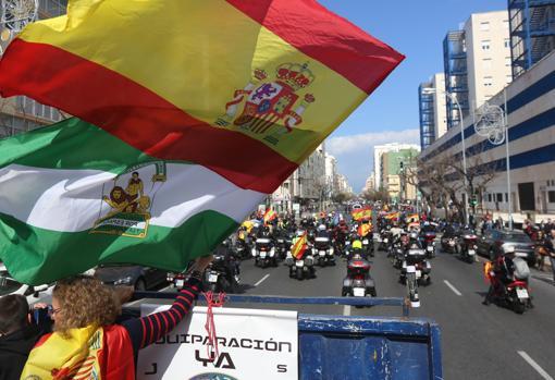 Clamor multitudinario en Cádiz por la equiparación salarial