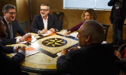 Portazo del PSOE a la reforma de la ley electoral que proponen Ciudadanos y Podemos