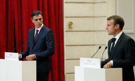 Macron y Pedro Sánchez proponen «centros cerrados de desembarco» para los inmigrantes que lleguen a Europa