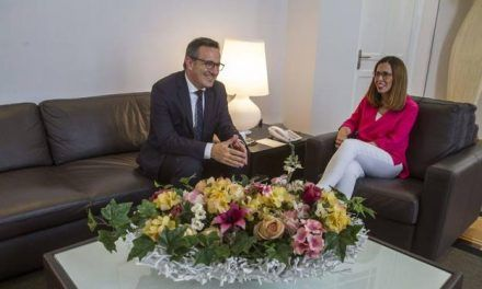 Conesa tendrá «muy en cuenta» el trazado del AVE aprobado por el Consistorio de Cartagena