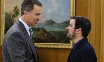 Alberto Garzón lleva al límite su campaña de desgaste al Rey y levanta ampollas