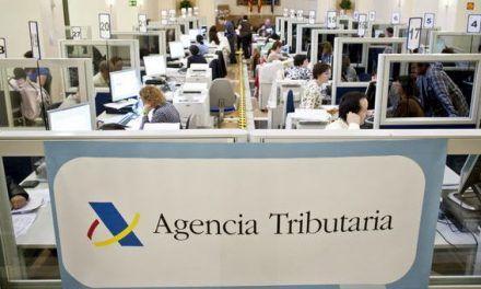 Hacienda 'castiga' a medio millón de españoles retrasándoles la devolución del IRPF