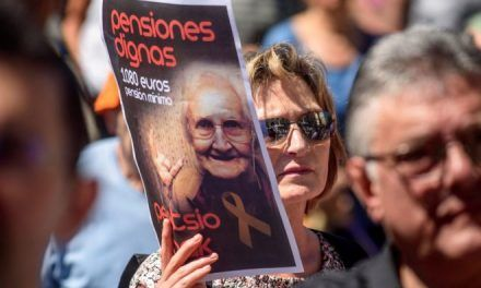 Los pensionistas cobrarán este viernes una paga media de 100 euros con los atrasos de la subida de las prestaciones