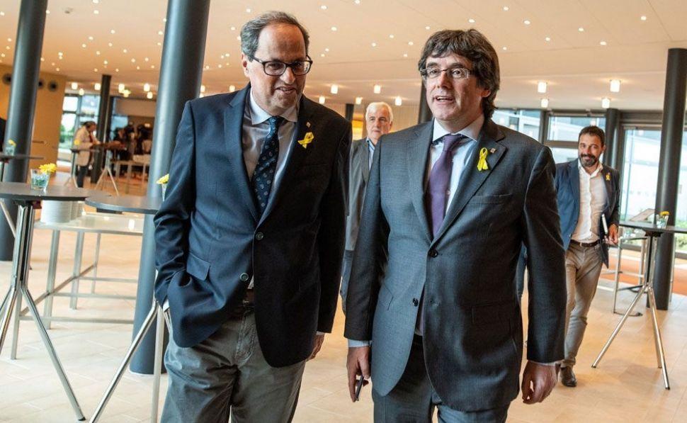 Puigdemont se aferra a su acta de diputado pese a la suspensión de Llarena