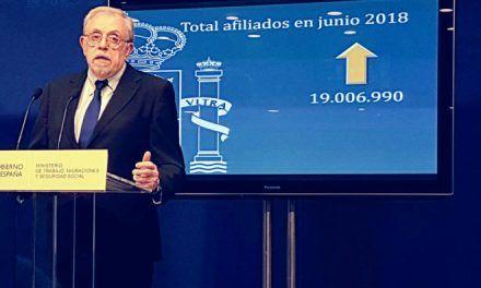 La receta del Gobierno de Sánchez para pagar las pensiones: más impuestos y subidas de salarios