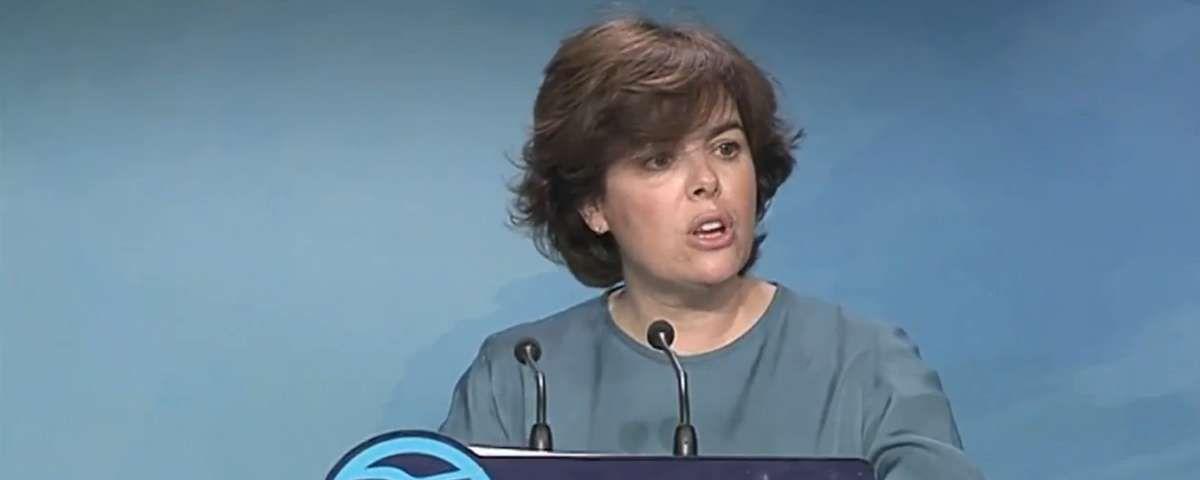 Sáenz de Santamaría reprocha a Casado y Cospedal desoír a los militantes
