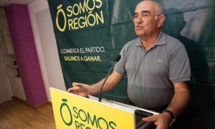 Garre: «No necesitamos que Casado venga a bañarse en el Mar Menor emulando a Fraga»