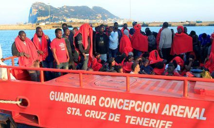 Rescatadas 151 personas a bordo de tres pateras en la costa andaluza