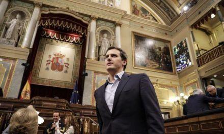 Rivera apuesta todo a vencer a Casado tras el no al PSOE