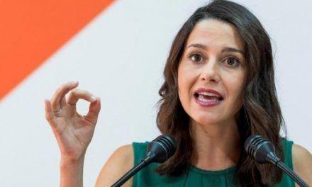 Inés Arrimadas: «Quitamos lazos porque las cosas han ido a peor»