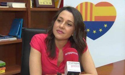 Arrimadas pone firme a Ada Colau por aliarse con los lazos amarillos en La Sexta
