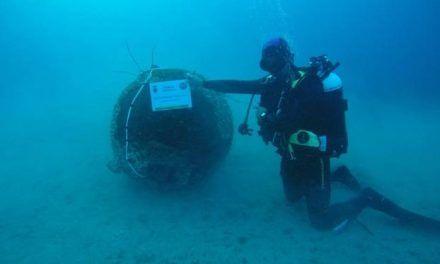 Buceadores de la Armada hallan un artefacto explosivo en Mazarrón