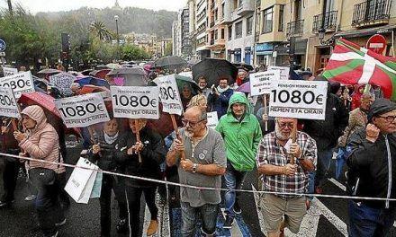 Miles de jubilados guipuzcoanos se unen para reivindicar pensiones mínimas de 1.080 euros