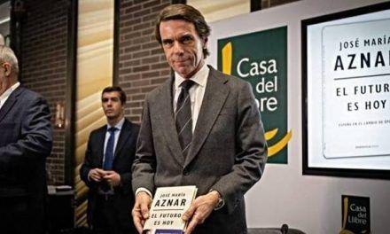 Aznar destroza a Sánchez y le acusa de volver a la «España de los años 30»