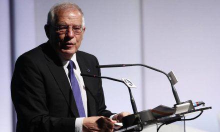 """Borrell: """"No sé qué tiene en su cabeza el señor Rivera"""""""