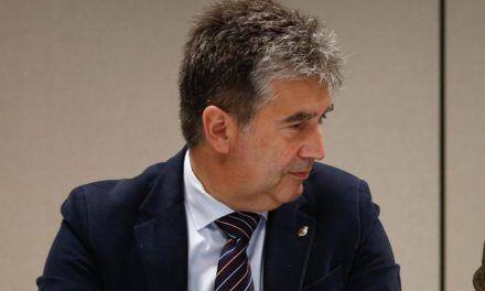 Pablo Casado emplea con Cosidó el 'modus operandi' de Cospedal