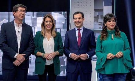 Susana Díaz y Teresa Rodríguez apaciguan su relación mientras PP y Cs se destrozan como alternativa