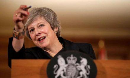 Theresa May salva su Brexit sin ceder en la soberanía de Gibraltar