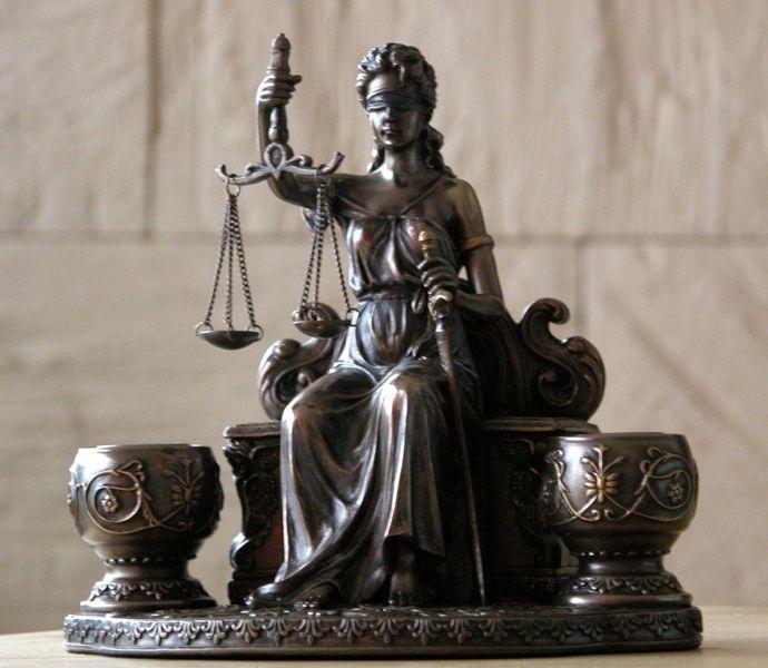 LO QUE CONSIDERAMOS JUSTICIA ES, DEMASIADAS VECES, UNA INJUSTICIA