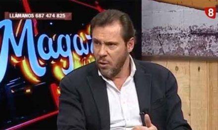 El portavoz del PSOE se calienta en directo y remata a Susana Díaz por farsante