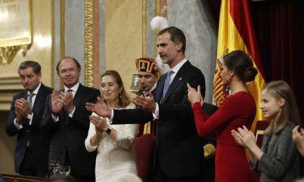 La memoria histórica, las víctimas de la crisis, la amenaza de la extrema derecha y otras ausencias del discurso de Felipe VI sobre la Constitución