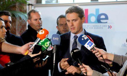 Rivera tacha de «populista» a VOX y asegura que no estará en la negociación andaluza