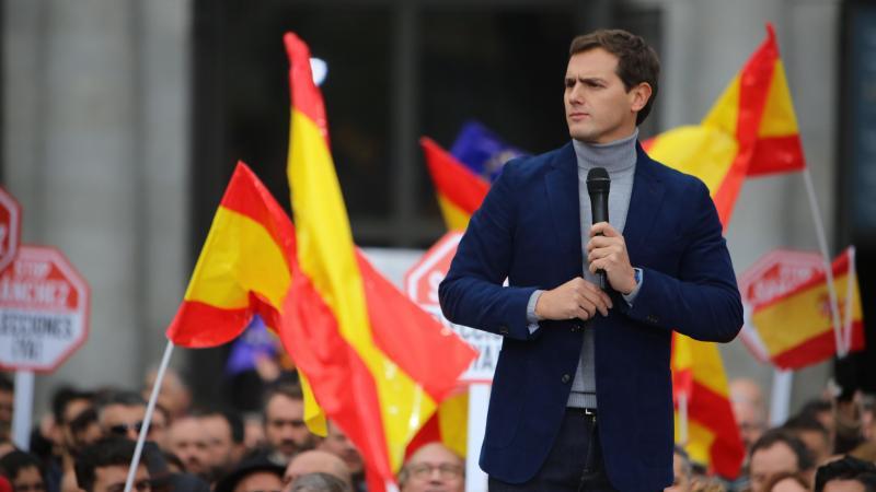 Rivera: Del «solo veo españoles» al «solo veo compatriotas»