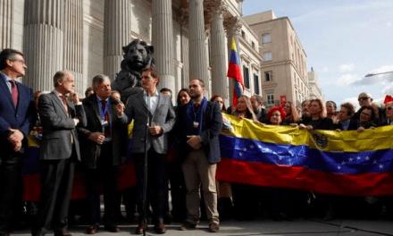 PP y Ciudadanos aprovechan la crisis en Venezuela para atacar al Gobierno