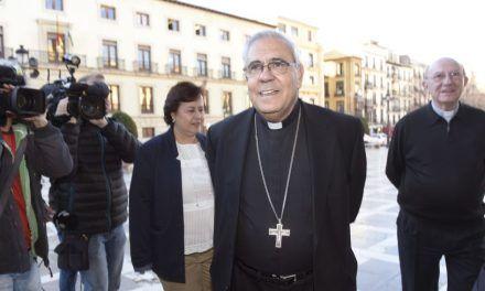 La reflexión del arzobispo de Granada ante el auge de Vox: «A comienzos de siglo sucedió algo parecido. Una mayoría terminó en brazos de Hitler»