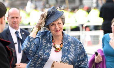 May logra nuevas garantías legales de la UE para intentar salvar el Brexit