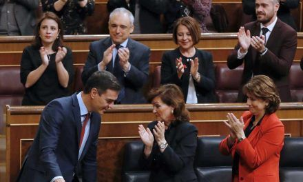 Sánchez fuerza la actividad de las Cortes ya disueltas en plena campaña con sus decretos