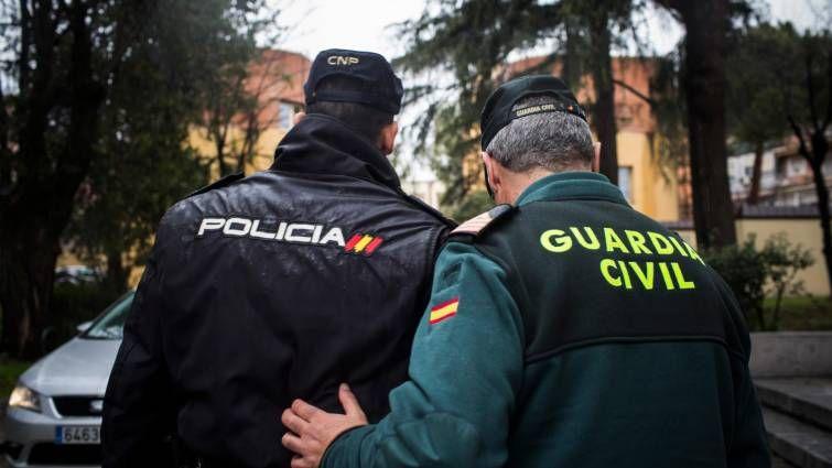 ¿A quién votarán policías y guardias civiles?