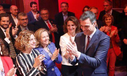 Calviño se reúne con grandes empresarios y les transmite: En economía, el PSOE vuelve al centro