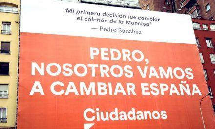 Cs critica que Sánchez pida la retirada de la lona contra él y no pida la retirada de los lazos amarillos