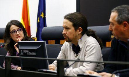 """Las """"mareas"""" de Podemos se alían y hunden más a Pablo Iglesias"""