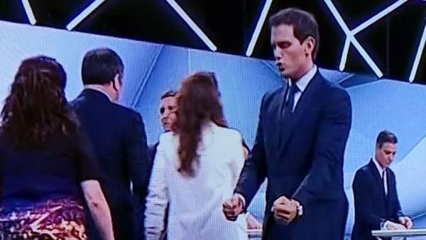 El gesto de Rivera al terminar el debate electoral de Atresmedia