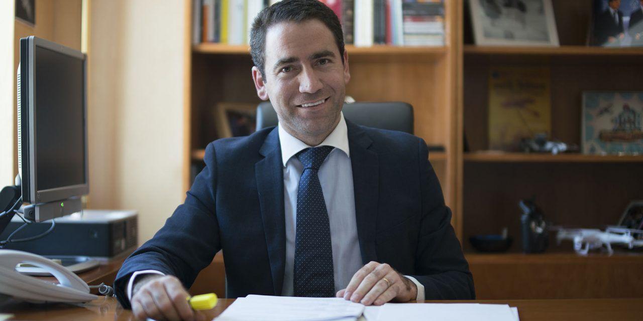 Teo García Egea: «Corrijo a la Junta Electoral, Otegi y Torra sí van al debate, los representa Sánchez»