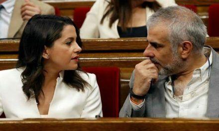 Rivera mantendrá a Arrimadas al frente de Ciudadanos en Cataluña desde el Congreso